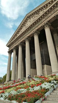 Église de la Madeleine — Paris - Looks like something from Greco-Roman times