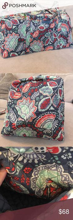 🔅Vera Bradley 🔅 Large Nomadic Floral Duffle NWT! Perfect bag for a weekend getaway and all your upcoming trips. Gorgeous Nomadic Floral pattern with steel grays, corals and greens. The large duffle measures approximately 21.5 inches long, 11 inches high and deep. Drop handles measure approximately 15 inches. There is an exterior pocket in the end so you can quick grab what is needed. Vera Bradley Bags