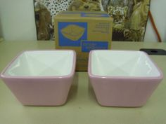 Pampered Chef Simple Additions Help Whip Cancer Pink Ribbon Square Bowls set/2