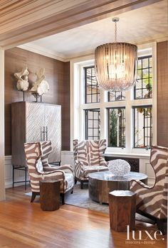 Designs by Sundown is a 2020 Gold List honoree featured in Luxe Interiors + Design. See more of this design professional's projects. My Living Room, Home And Living, Living Room Decor, Living Spaces, Bedroom Decor, Design Salon, Home Design, Piece A Vivre, Interior Design Magazine
