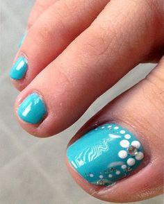 Make an original manicure for Valentine's Day - My Nails Toenail Art Designs, Pedicure Designs, Pedicure Nail Art, Toe Nail Art, Beach Pedicure, Toe Designs, Pretty Toe Nails, Cute Toe Nails, Fancy Nails
