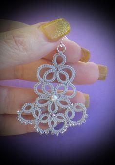 Tatting Earrings, Tatting Jewelry, Crochet Earrings, Needle Tatting, Tatting Lace, Diy And Crafts, Arts And Crafts, Tatting Patterns, Jewerly