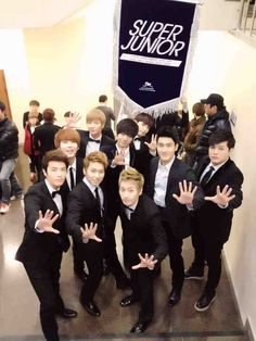 Super Junior! On KBS's Gayo Daechukje. <3온라인카지노게임◇◆ SK8000.COM ◆◇온라인카지노게임