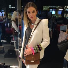 @ju_passosp with her new #schutzid  #schutzfall2016 #schutzhandbags