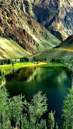 Beautiful scenery - Travel tips - Travel tour - travel ideas Beautiful Nature Pictures, Amazing Nature, Nature Photos, Beautiful Landscapes, Beautiful World, Beautiful Places, Beautiful Scenery, Amazing Places, Landscape Photography
