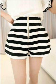 Women\'s new style black and white vertical stripes Xiaou America wind was thin waist bud pants zipper front shorts