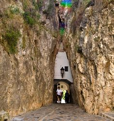 The tunnel which is the only entrance to the fortifed Moorish village of Guadalest in the Costa Blanca. Túnel de entrada a Guadalest. Time Travel, Places To Travel, Places To Visit, Spain Travel Guide, Places In Spain, Spain Holidays, Alicante Spain, Spain And Portugal, Moorish