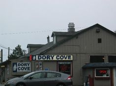 Captain Ron's now renamed Dory's at Roads End in coming into Lincoln City.  Best Clam Chowder.  Way better than Mo's.
