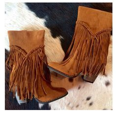 Whyoming Fringe Boots