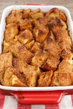 Easy Baked French Toast, Simple French Toast Recipe, Banana Bread French Toast, Easy French Recipes, French Bread French Toast, Homemade French Toast, Best French Toast, French Toast Bake, French Toast Lasagna Recipe