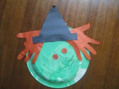 Halloween - Ceres Childcare & Preschool ~ Some really cute craft ideas here. ~