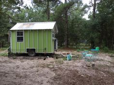 Gently used, 72 sq ft, pine tongue and grove interior, full size murphy bed, French bistro dining set, bar sink, 18′ under counter frog, toaster oven, 2 burner hotplate, wet room shower rv toilet with porcelain 2″x 2″ tile, window unit a/c, Ecotemp LP hot water, faux wood vinyl flooring, skylight…. Adorable!