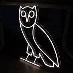 """""""OVO Owl"""" is the must-have neon sign for all fans of OVO, the famous brand of the rapper Drake. Choose the color sign and size of your OVO LED Neon Sign.  The neon light comes with a dimmer and remote control.  It has a dimming function, timer, and party mode.  SIZES:   14 x 17"""" - (35 x 43 cm) 21 x 25.5"""" - (53 x 65 cm) Hypebeast Brands, Ovo Owl, Octobers Very Own, Hotline Bling, Led Neon Signs, Neon Lighting, Wall Signs, Drake, Clear Acrylic"""