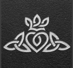 Simbols Tattoo, Tattoo Ringe, Tattoo Band, Wedding Band Tattoo, Ring Tattoos, Tatoos, Wedding Bands, Tattoo Neck, Wedding Finger