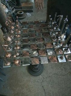 Still not finished with my hardware and scrap metal chess set. Welding Crafts, Welding Art Projects, Metal Art Projects, Modern Chess Set, Chess Set Unique, Chess Board Set, Chess Sets, Chess Table, Creation Deco