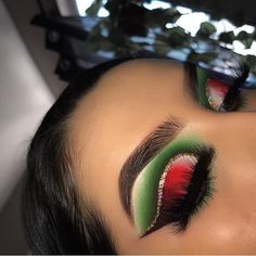 Our Glitterologist serving gorgeous Christmas Vibes with our Summerita Palette . Our Glitterologist serving gorgeous Christmas Vibes with our Summerita Palette use Cassandra code: Cassandra for off. Shop link in bio Makeup Trends, Makeup Inspo, Makeup Art, Makeup Inspiration, Makeup Tips, Makeup Ideas, Makeup Geek, Makeup Products, Nail Ideas