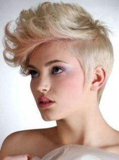 I think I can do this with my hair... gonna try. I  totally have the cut for it <3
