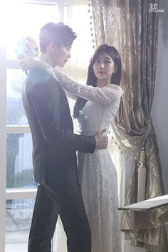 "Lee Jong Suk and Bae Suzy in drama ""While You Were Sleeping"""