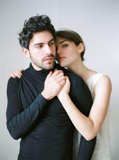 Photoshoot Concept, Couple Photoshoot Poses, Couple Portraits, Couple Posing, Couple Shoot, Studio Portrait Photography, Couple Photography Poses, Portrait Poses, Family Photography