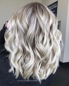 "4,025 Likes, 35 Comments - Michigan Balayage | BL❄️NDE (@catherinelovescolor) on Instagram: ""❄️ICY DREAMS #behindthechair #btconeshot_ombre17 #btconeshot_hairpaint17…"""
