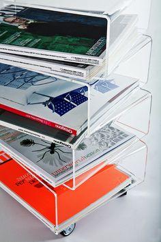 Trottola #portariviste. - magazine rack - #design #plexiglas #madeinitaly #metacrilato