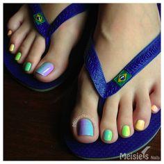 Meisie's Nails: Lime Crime Rainbow Gradient