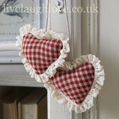 If you like hanging hearts as much as we do, our vast collection of utterly gorgeous pieces should bring you pleasure, joy and a burning desire to put them everywhere possible. Heart Decorations, Valentines Day Decorations, Valentine Crafts, Be My Valentine, Her Wallpaper, Sewing Crafts, Sewing Projects, Shabby Chic Accessories, Shabby Chic Gifts
