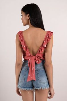 Open back tie ruffle crop top True Style Never Dies Crop Top Outfits, Mode Outfits, Casual Outfits, Teen Fashion Outfits, Tie Crop Top, Crop Tops, Ladies Dress Design, Blouse Designs, Beautiful Outfits