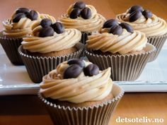 place to get free food coupons. Chocolate Muffins, Chocolate Coffee, Chocolate Cupcakes, Coffee Muffins, Coffee Cupcakes, Yummy Treats, Sweet Treats, Yummy Food, Free Food Coupons