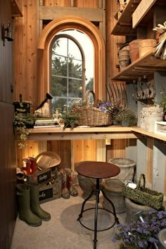 garden shed/potting shed