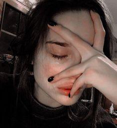 Crying Eyes, Crying Girl, Crying Aesthetic, Bad Girl Aesthetic, Girl Photo Poses, Girl Photos, Sad Girl Photography, Alone Girl, Sad Pictures