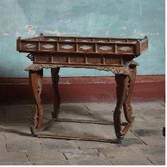 Small Table  자료명 수량 물질 시대 소 장 연월일 소장경위 출처 크기 아가상 1 木 조선 2010. 11. 6 자체소장 경기전 94×45×111