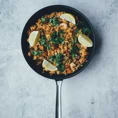 Winter Food: Mexican Khichdi (Using Leftover Khichdi). Quick Meals For Kids, Easy Family Meals, Top Recipes, Quick Recipes, Healthy Recipes, Paella, Food Porn, Easy Meal Plans, Midweek Meals