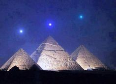 Mercury, Venus and Saturn in line with the pyramids of Giza #Egypt This occurs once every 2373 years.  Google+