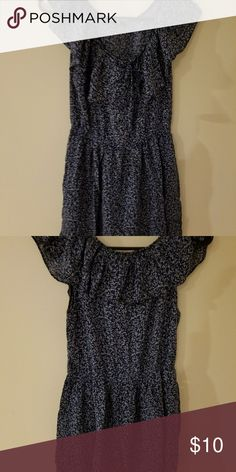 Forever 21 Floral Dress Forever 21 Floral Dress Navy and white Size S Very Good condition Forever 21 Dresses Mini