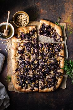 Semi whole wheat focaccia with radicchio pine nuts and honey the perfect vegetarian Italian lunch Italian Lunch, Vegetarian Italian, Fun Baking Recipes, Cooking Recipes, Dark Food Photography, Good Food, Yummy Food, Most Delicious Recipe, Italian Recipes