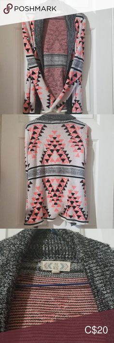Shop Women's Pink Rose Pink Black size M Cardigans at a discounted price at Poshmark. Description: Beautiful Pink Black and Grey Pattern Size M. Grey Pattern, Plus Fashion, Fashion Tips, Fashion Trends, Knit Cardigan, Pink Ladies, Black And Grey, Sweaters For Women, Knitting