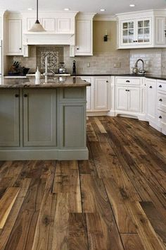 35 Stunning Small Farmhouse Kitchen Decor Ideas Best For Your Farmhouse Design is part of Farmhouse home Bar Farmhouse kitchen style will be impeccable thought whether you need to have family assemb - Small Farmhouse Kitchen, Farmhouse Kitchen Cabinets, Cute Kitchen, Modern Farmhouse Kitchens, Kitchen Cabinet Design, Kitchen Cabinetry, Home Kitchens, Farmhouse Design, Kitchen Backsplash