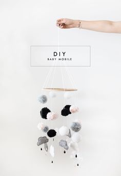 Sleep well, little one The beautiful drawer - super-cute DIY baby mobile! - Sleep well, little one The beautiful drawer – super-cute DIY baby mobile! Cool Baby, Fantastic Baby, Baby Crafts, Diy And Crafts, Baby Diy Projects, Decor Crafts, Diy For Kids, Crafts For Kids, Diy Bebe
