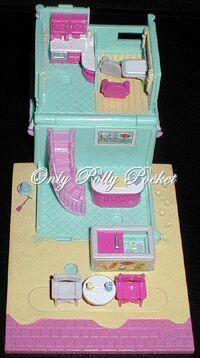 1993 - Polly Pocket Beach Cafe - Pollyville    1993 Polly's Beach Cafe aka Polly's Beach Holiday - Tiny World    Bluebird Toys Ref No. 940261    Mattel Toys # 11199