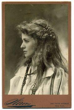 Maude Adams c. 1890 - Vintage Photography
