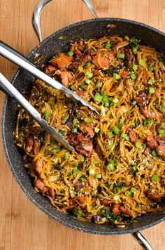 Slimming Eats Asian Chicken with Noodles - gluten free, dairy free, Slimming World and Weight Watchers friendly Slimming World Dinners, Slimming Eats, Slimming World Recipes, Soup Recipes, Diet Recipes, Chicken Recipes, Cooking Recipes, Healthy Recipes, Noodle Recipes