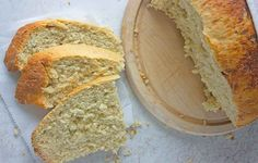 Crockpot Bread with Rosemary http://www.prevention.com/eatclean/slow-cooker-bread-recipes/slide/2