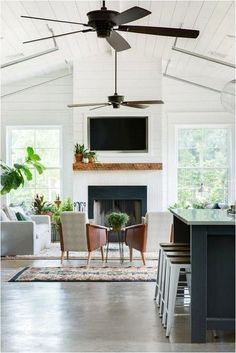 Perfect 100+ Stunning Living Room Ceiling Design Ideas to Spice Up Your Home https://decorspace.net/100-stunning-living-room-ceiling-design-ideas-to-spice-up-your-home/