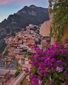 #Positano / #Позитано   #Italy / #Италия  Photo by : @golden_heart  Tag your city pics #cbviews and follow us @citybestviews  #travel  #travelgram #city #colorful #Italia by citybestviews