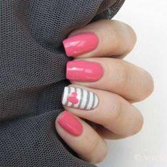 Fucsia nails