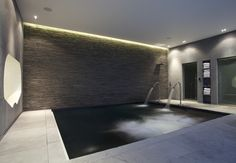 Basement spa pool, L