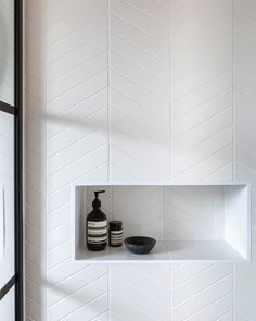 It's all in the detail.Monastir White Matt Chevrons looking pretty smart 🖤🖤 Family Bathroom, Small Bathroom, Master Bathroom, Bathroom Ideas, Washroom, Bathroom Renovations, Bathroom Vintage, Budget Bathroom, Bathroom Layout