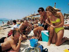 Mallorca: Ende des Schmuddeltourismus - Neue Regeln für Ballermann - Sehen Sie dazu eine Reportage bei HOTELIER TV: http://www.hoteliertv.net/reise-touristik/mallorca-ende-des-schmuddeltourismus-neue-regeln-für-ballermann/