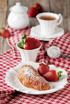 Croissant, Strawberries and tea on red and white gingham :)